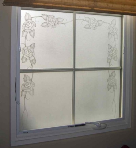 etched-glass-window-rose-border